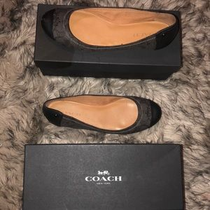 Coach Chealsea Outline signature flats